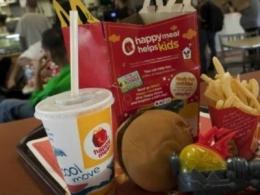 Campanha estimula mães e pais a denunciarem publicidade do McDonald's