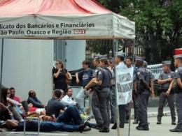 Salário de contratado em banco é 57% do rendimento de demitido