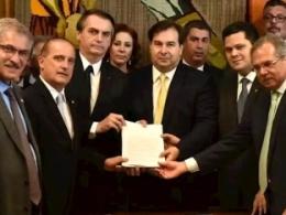 """Bolsonaro abre guerra contra aposentadoria pública; veja principais pontos da """"reforma"""""""