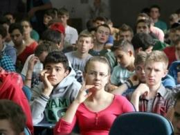 Apenas 25% dos jovens de 18 a 30 anos fazem controle financeiro