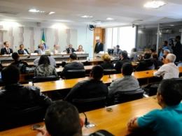 Falta de diálogo na tramitação das reformas trabalhista e previdenciária