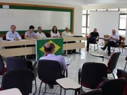 Centrais Sindicais e Federações presentes na Plenária do Movimento Sindical Catarinense aprovaram a pauta que será entregue para os empresários
