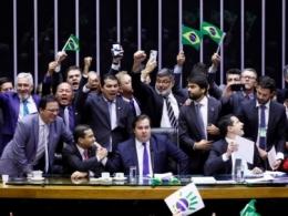 Reforma da Previdência aprovada em primeiro turno da Câmara dos Deputados