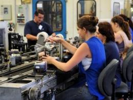 Mulheres receberam 23,6% menos que os homens em 2015, aponta IBGE